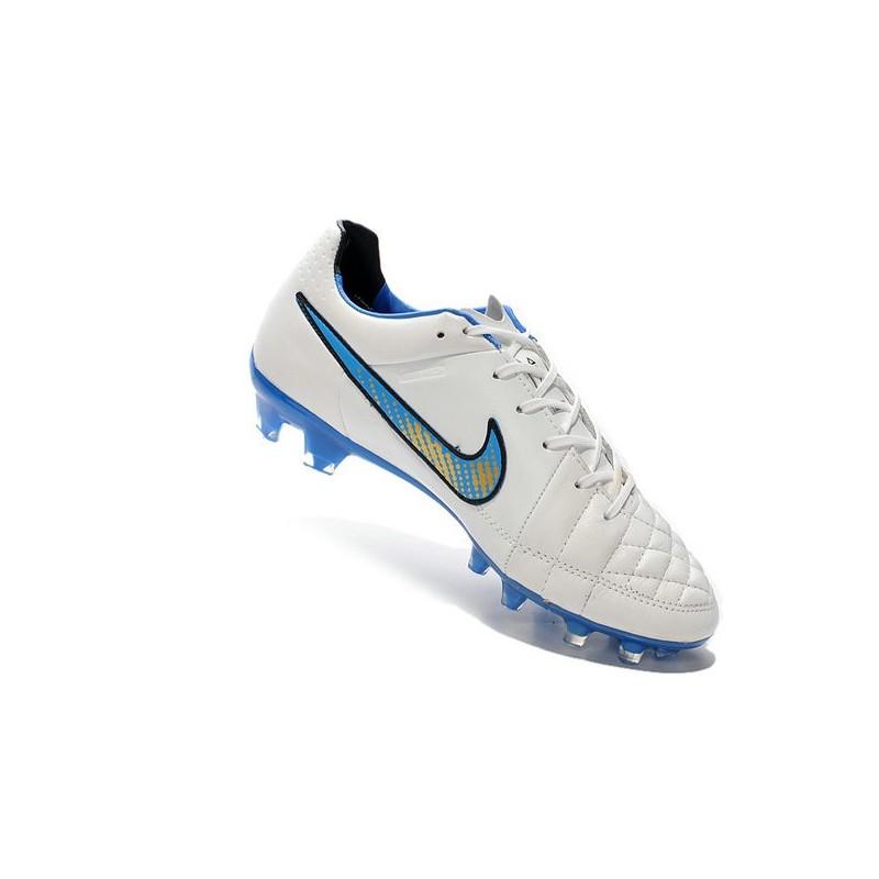 super popular 6b534 b6f20 Scarpa da Calcio per Terreni Duri Nike Tiempo Legend V FG Bianco Blu