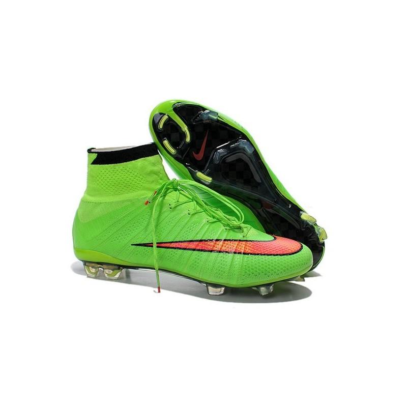 buy online 56791 5486e Cristiano Ronaldo Nike Scarpa da Calcio Mercurial Superfly 4 FG Verde Rosso