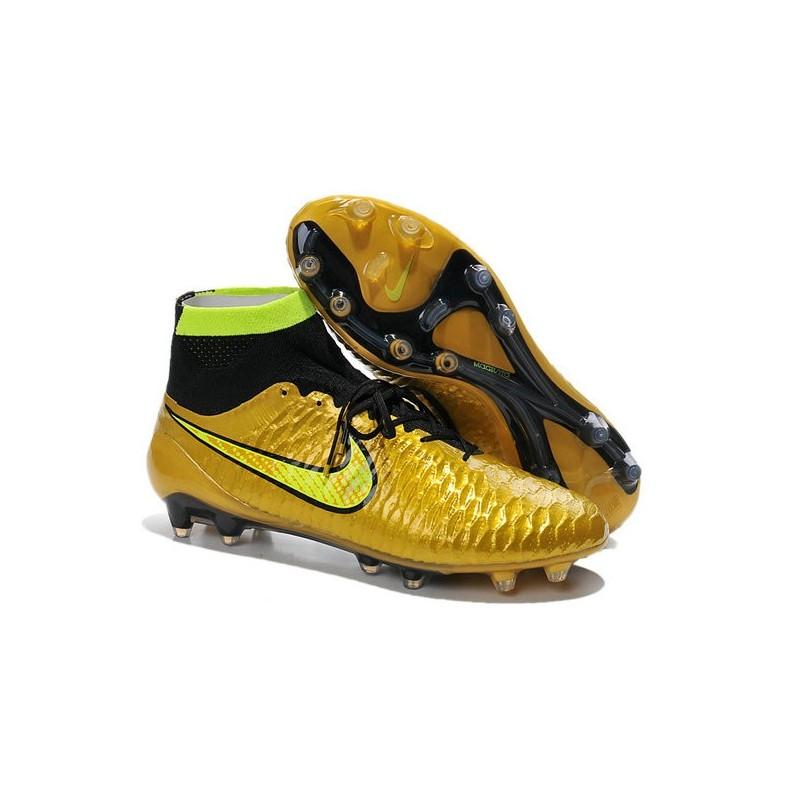 scarpe da calcio in pelle nike